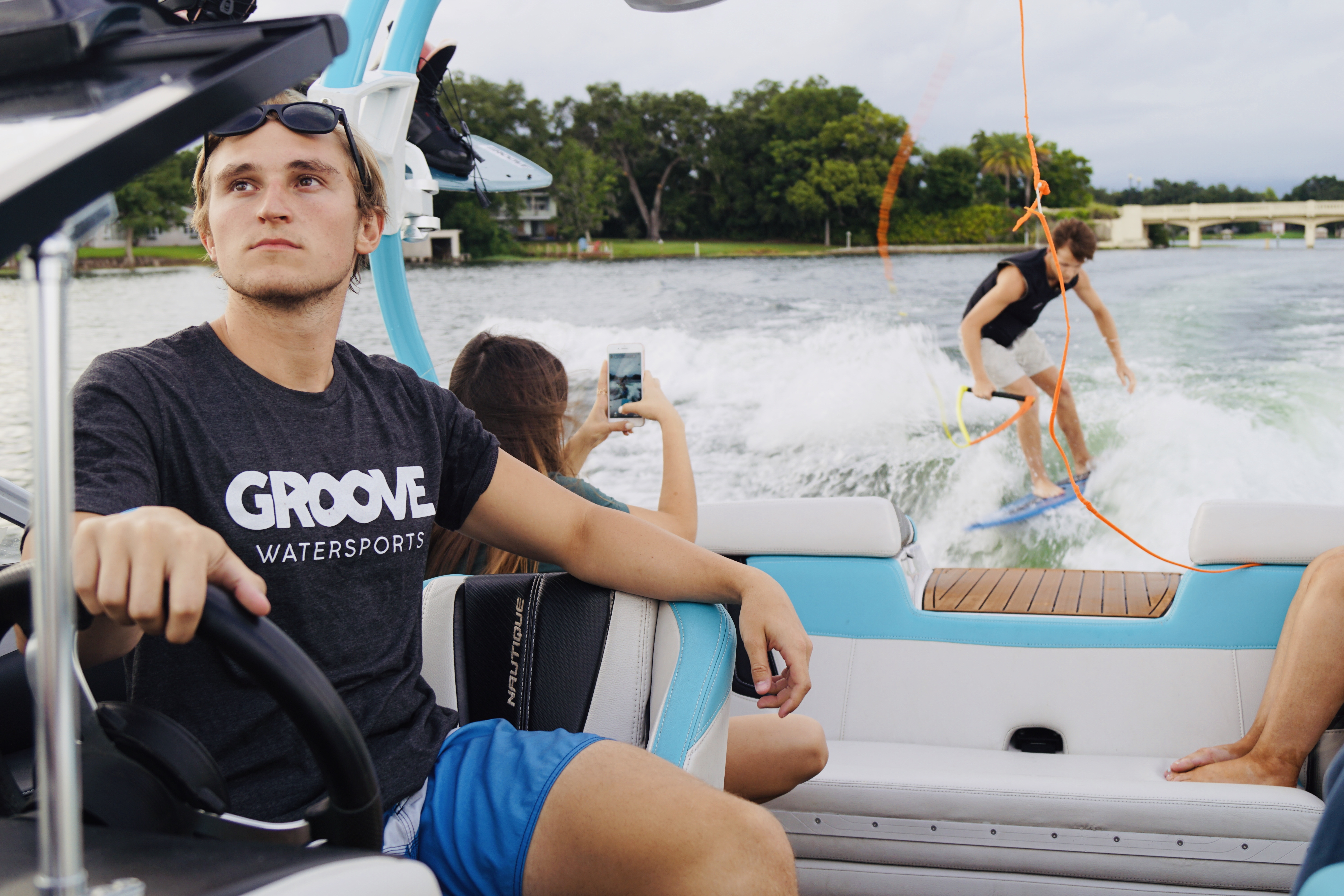 Groove Vest Boat